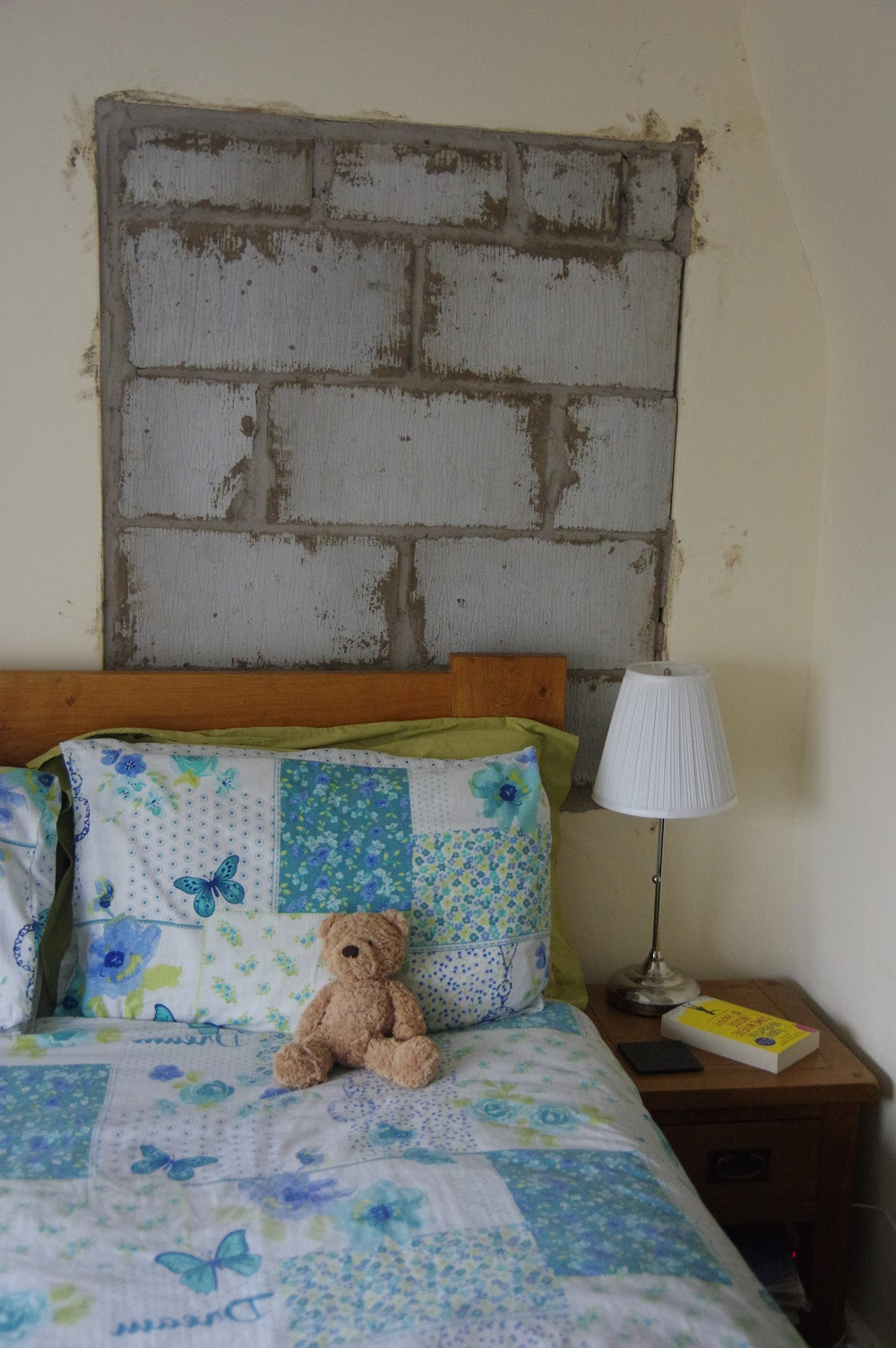 bedroom-wall-resized